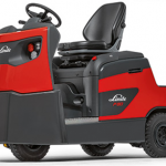 Linde_electric_tow_tractor_13,000lbs
